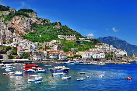 A Popular Italian holiday destination near Naples