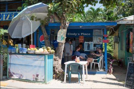 A Perfect Day in Roatán Island, Honduras